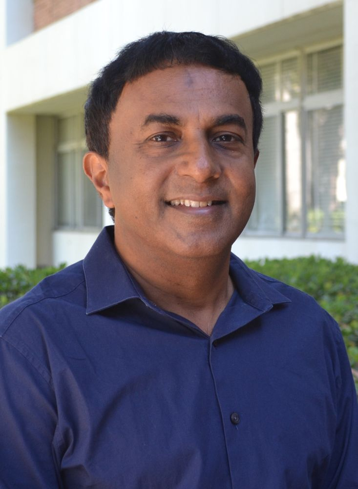 This image has an empty alt attribute; its file name is george-varghese-ucla.jpg
